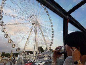"""Blog """"Voyage Insolite"""" à Paris avec le Bustronome devant la Grande Roue Place de la Concorde"""