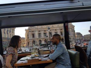 """Blog """"Voyage Insolite"""" à Paris avec le Bustronome et le sosie de Soprano devant Opéra Garnier"""